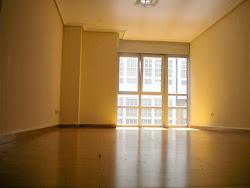 Piso de tres dormitorios en alquiler en Rubine. 750€