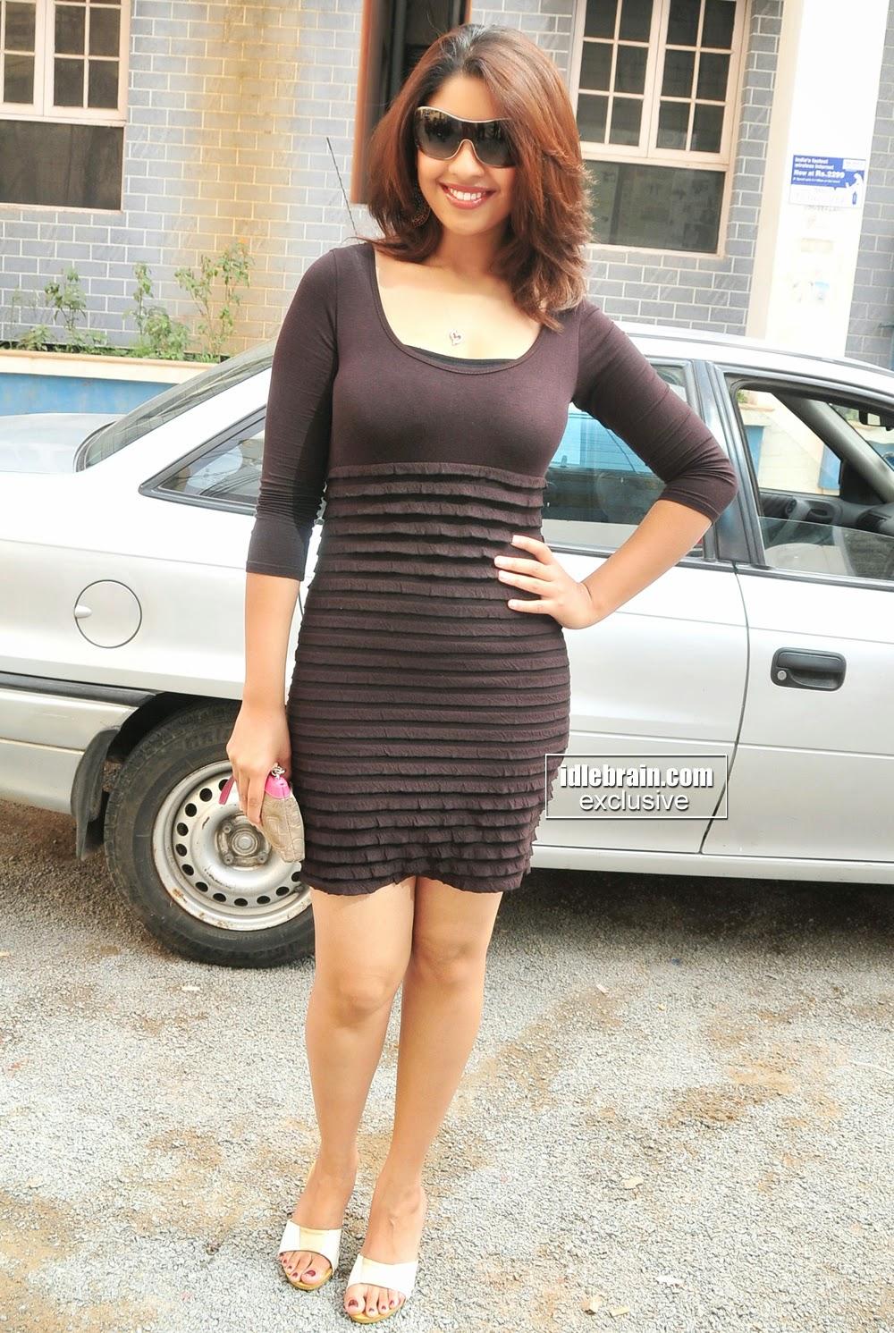 Richa Gangopadhya Black Dress at Big C Slide