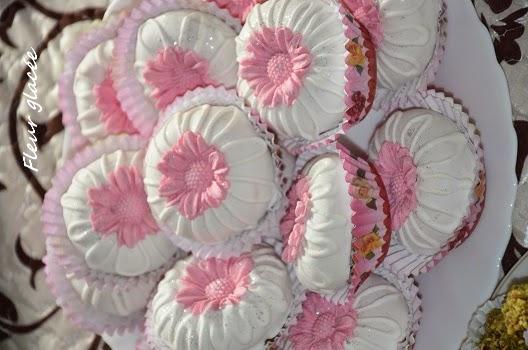 http://lesucresale-doumsouhaib.com/gateau-algerien-la-fleur-glacee/
