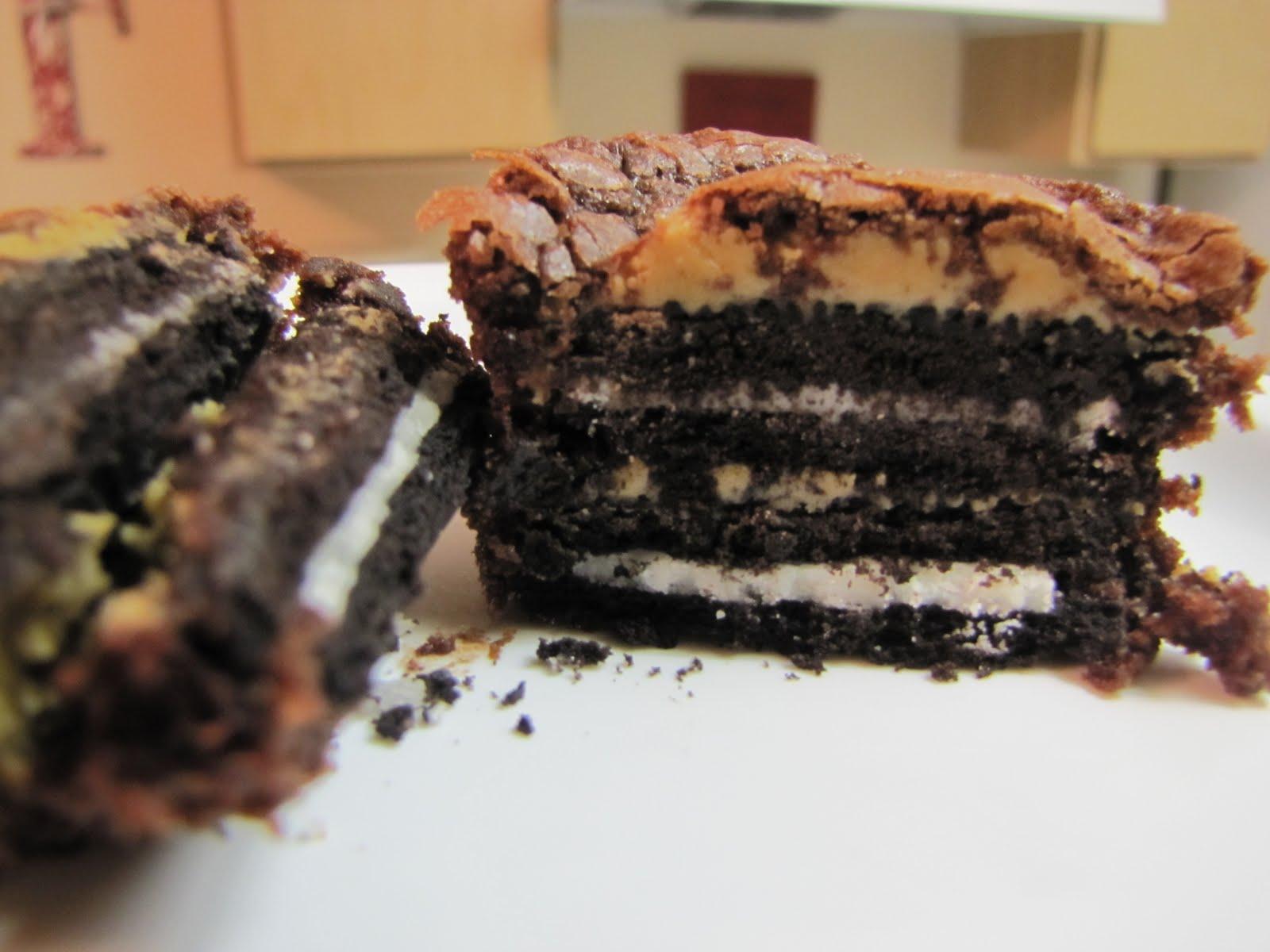 EatYourHeartOut: Oreo & Peanut Butter Brownie Cakes