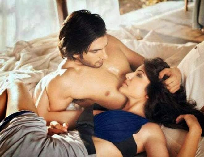 Ranveer singh and anushka sharma kissing scene photo