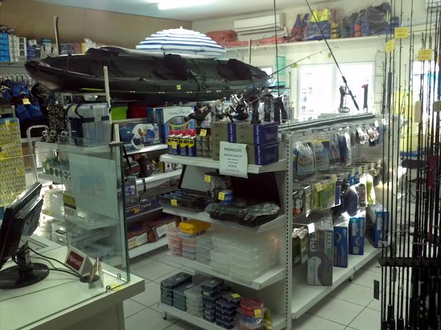 Foto de equipamentos para pesca em geral da loja pontal de pesca