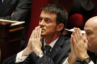 French Prime Minister Manuel Valls attends a debate to extend a state of emergency, at the National Assembly in Paris, France, November 19, 2015 following the series of deadly attacks on last Friday in the French capital. (Reuters/Charles Platiau) Click to Enlarge.