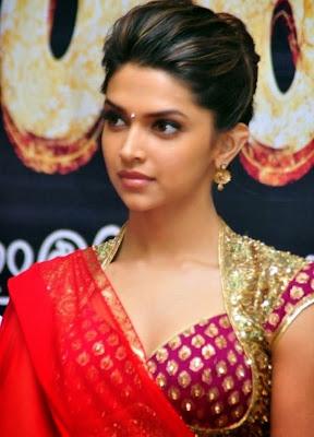 Deepika Padukone-sexy-look-in-sari