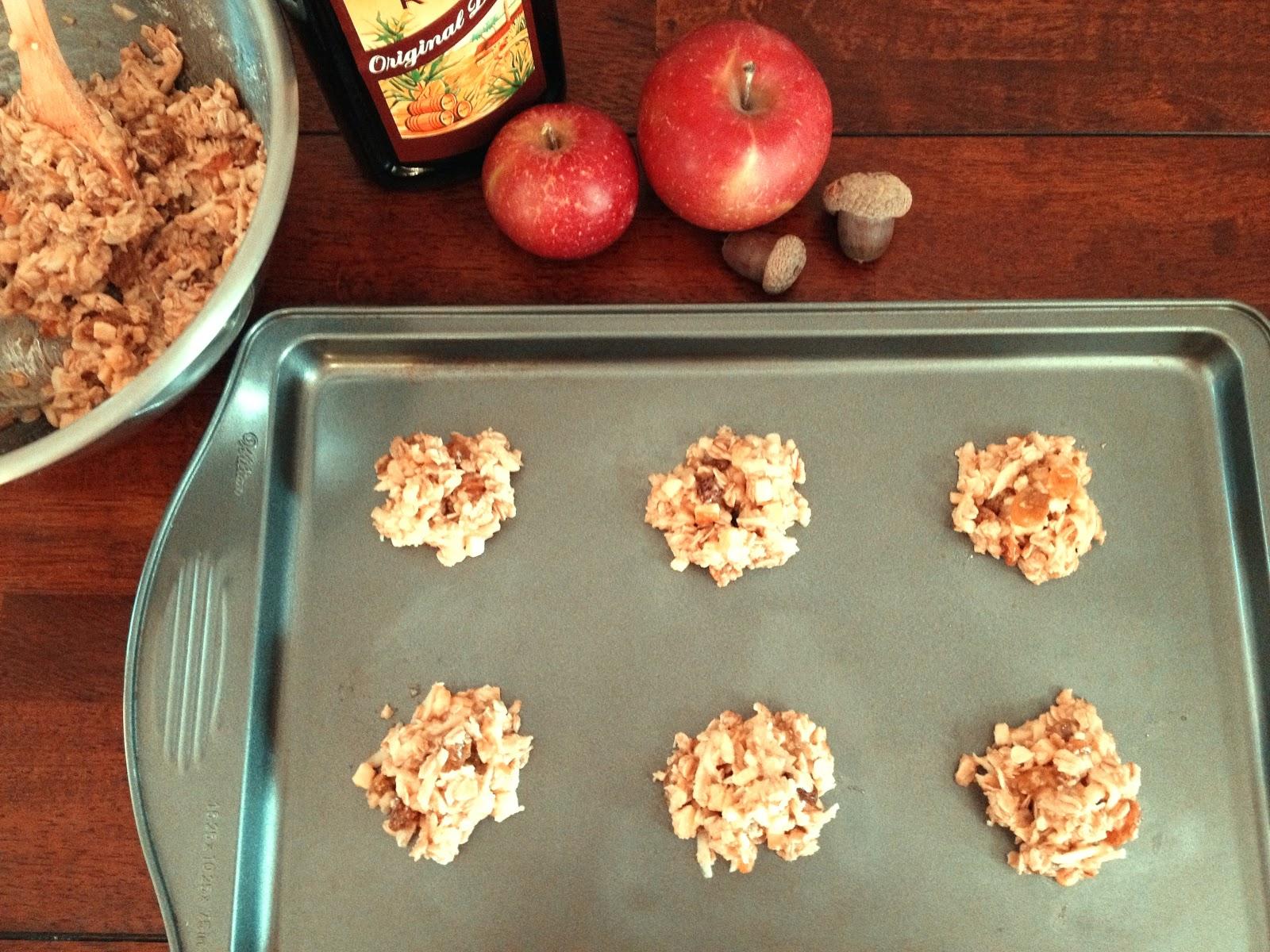 The Lush Chef: Apple Gouda Oatmeal Cookies