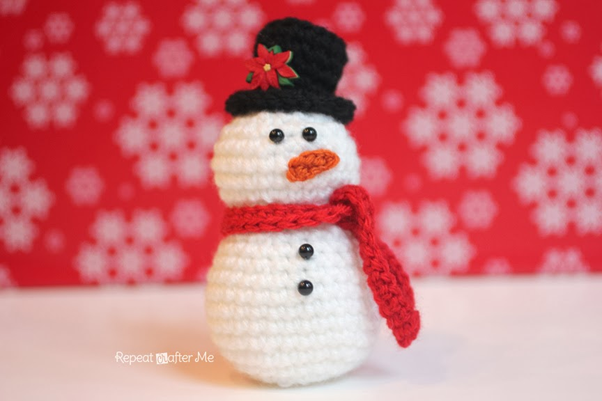 Crochet Patterns Free Snowman : Crochet Snowman Pattern - Repeat Crafter Me
