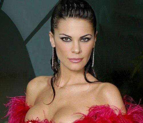 http://img.poprosa.com/resize/500/2010/04/maria-jose-suarez1.jpg