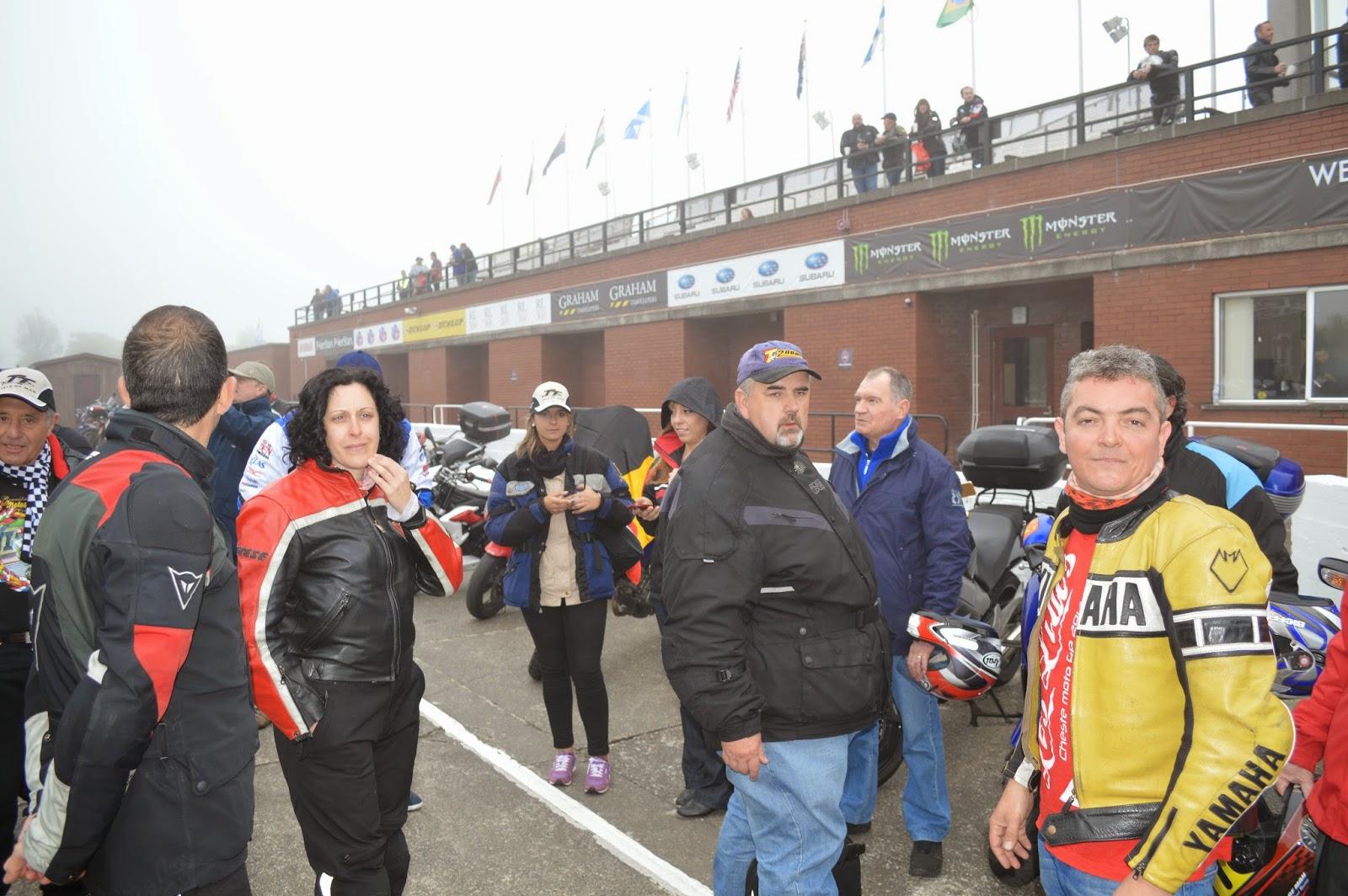 Quedada de españoles en el Grandstand