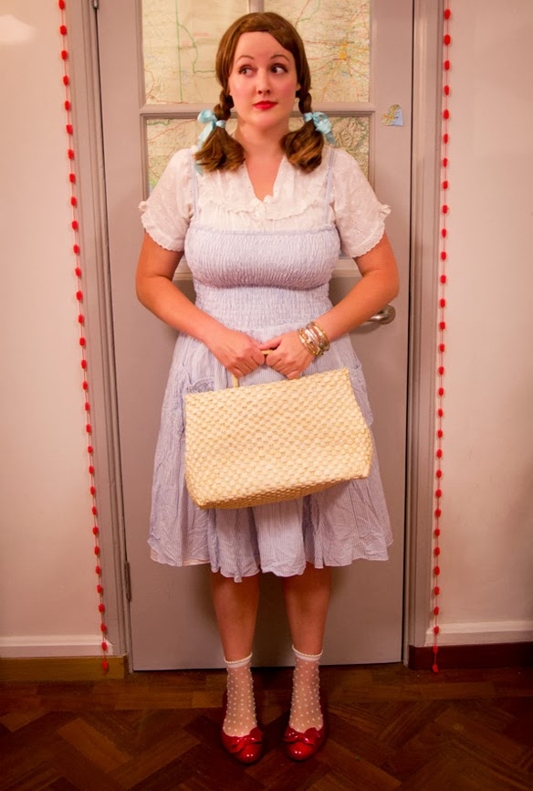 DIY Halloween fancy dress costume ideas: Judy Garland as Dorothy Gale from Wizard of Oz
