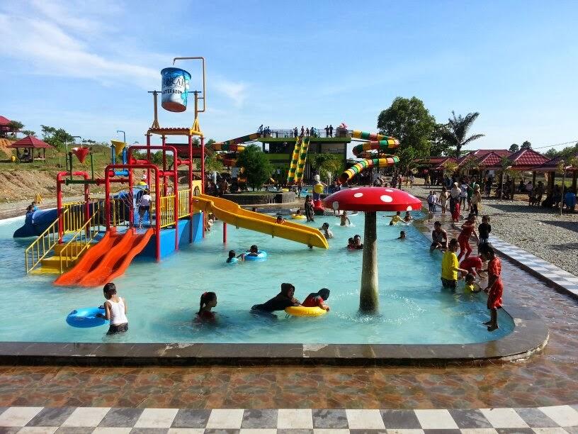 Waterpark water boom, Waterground