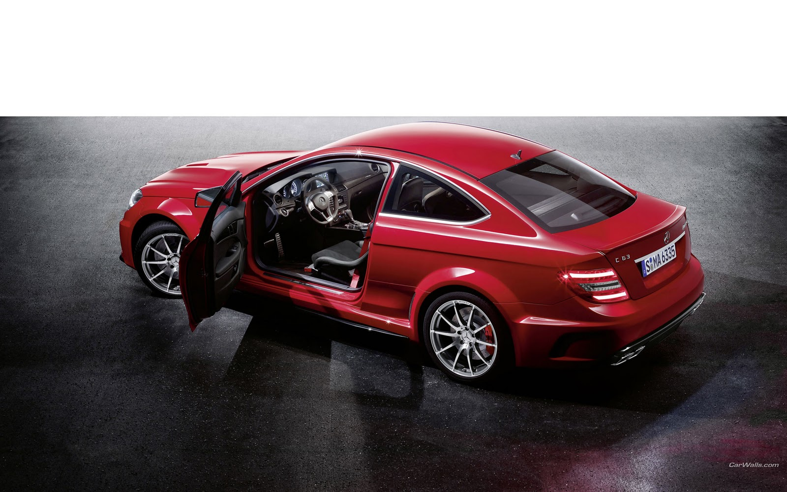 Full hd exotic car wallpapers 2012 mercedes benz c63 amg for 2012 mercedes benz c63 amg coupe black series