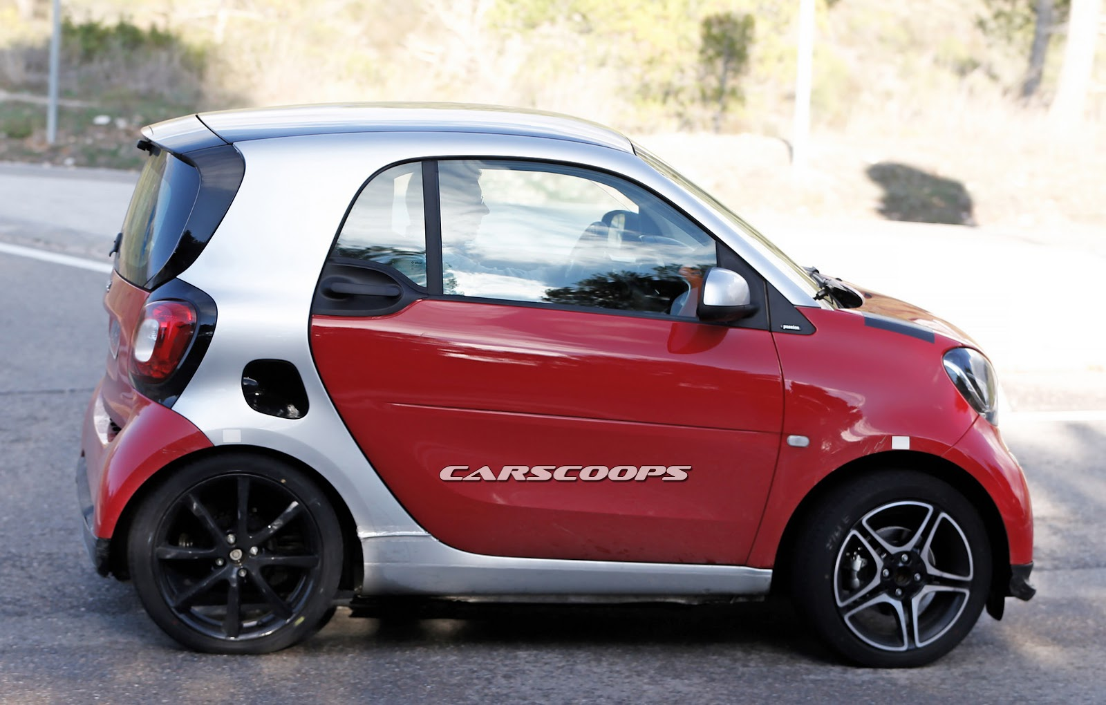 scoop new smart fortwo brabus freed from camouflage carscoops. Black Bedroom Furniture Sets. Home Design Ideas