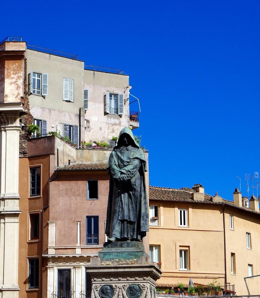 Das Denkmal Giordano Bruno auf dem Campo de' Fiori (Rom)