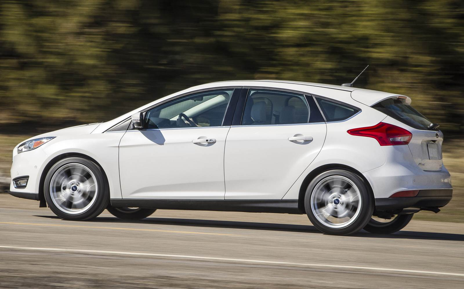 Ford Focus 2016 - segundo hatch médio mais vendido - Europa
