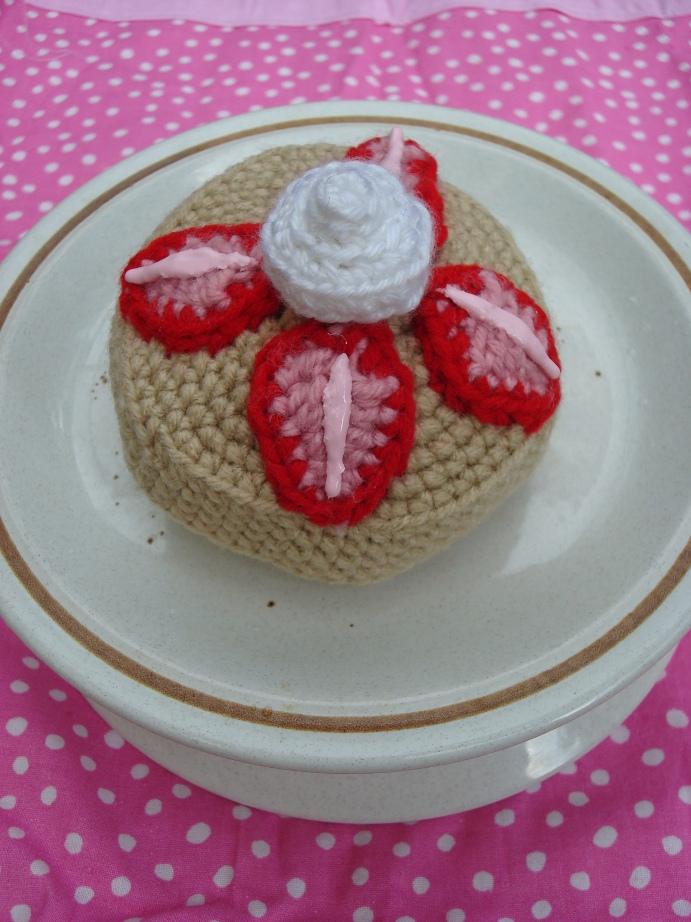 Nyanpon Strawberry Shortcake