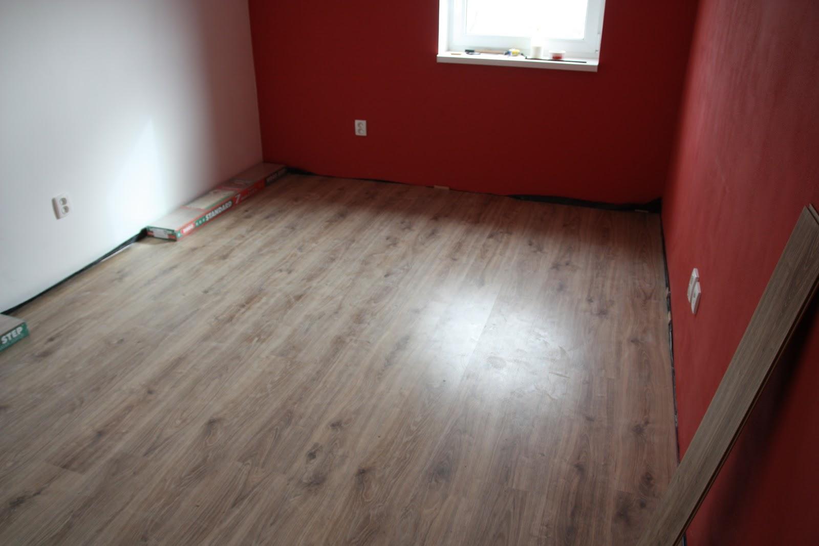 Laminaat Over Tegels : Ons nieuwbouw huis in podhorany po : tegels laminaat