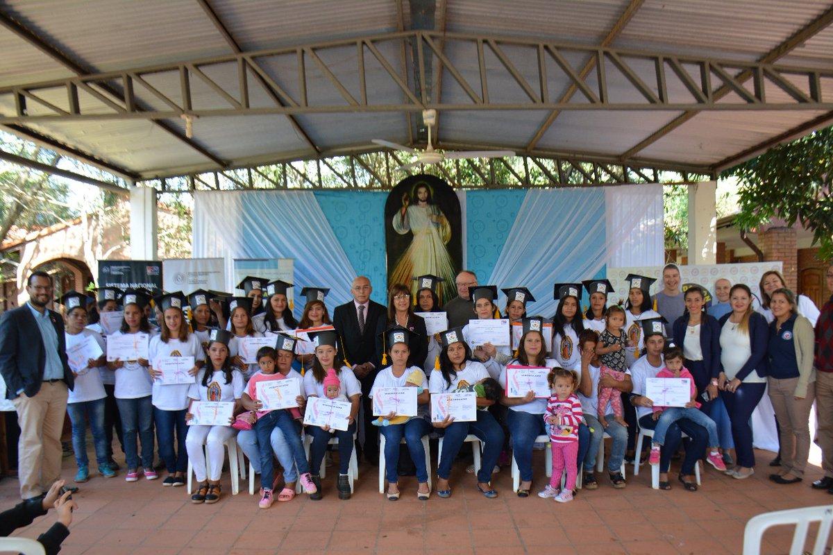 Mujeres de escasos recursos de Areguá fueron capacitadas por el SNPP ...
