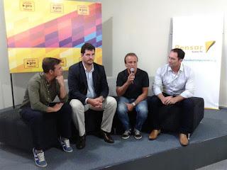 Eugenio Burzaco, junto a Sebastián Pignatta y Miguel Del Sel.