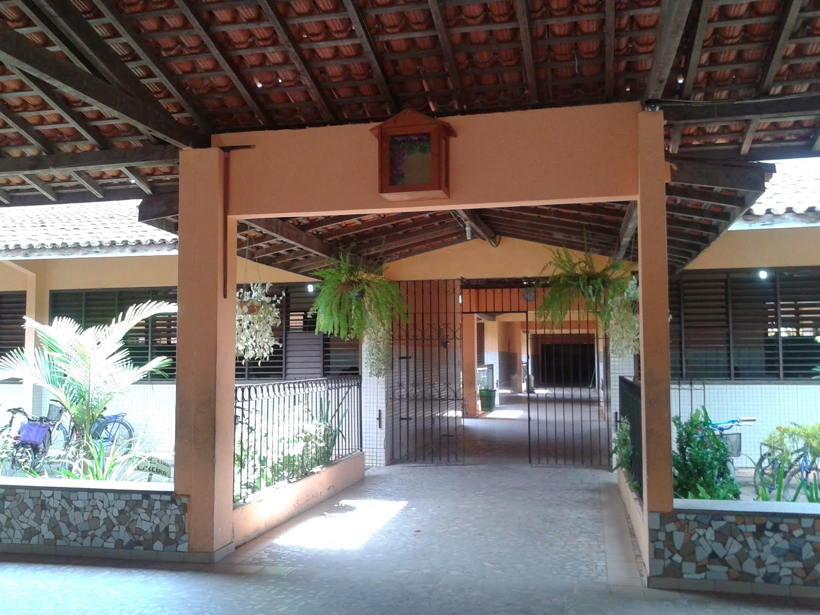 Entrada Principal para Salas de Aulas