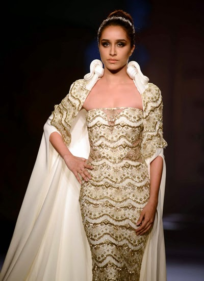 Gorgeous Shraddha Kapoor walks the ramp for Gaurav Gupta at India Couture Week 2014