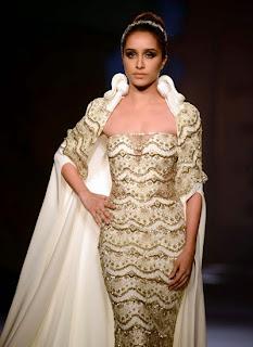 Gorgeous Shraddha Kapoor walks the ramp for Gaurav Gupta at India Couture Week 2014 (5).jpg