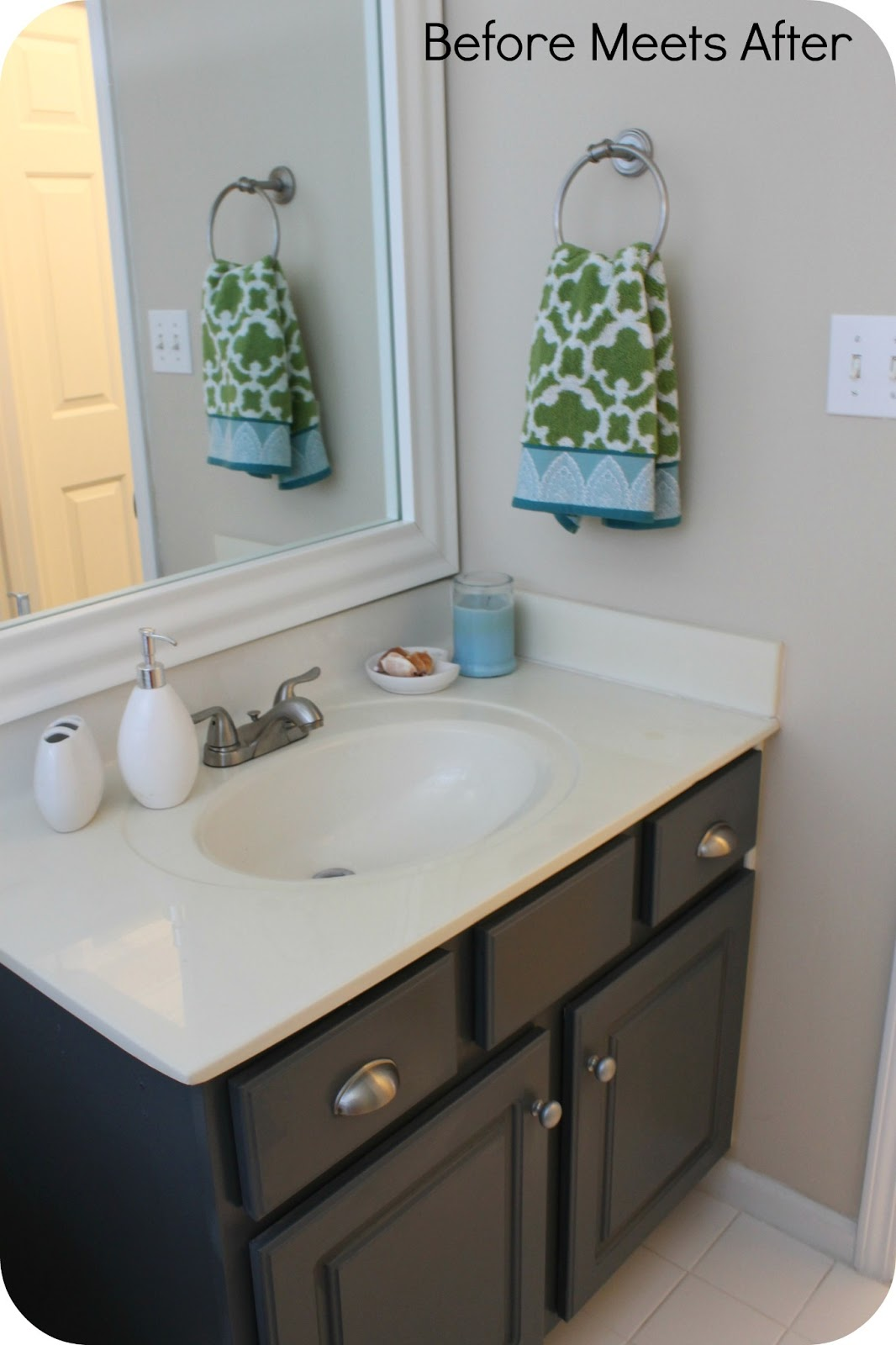 Before Meets After: Bathroom vanity makeover with Annie Sloan ...