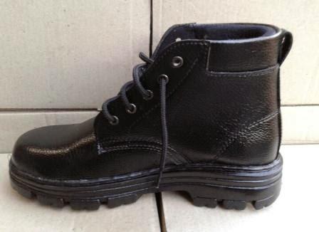 Sepatu safety kulit hitam model boots
