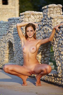 077280980 PD EmmaWatson Outdoorfun final sm1 123 387lo Emma Watson Nude Showing her Boobs & Pussy Fake
