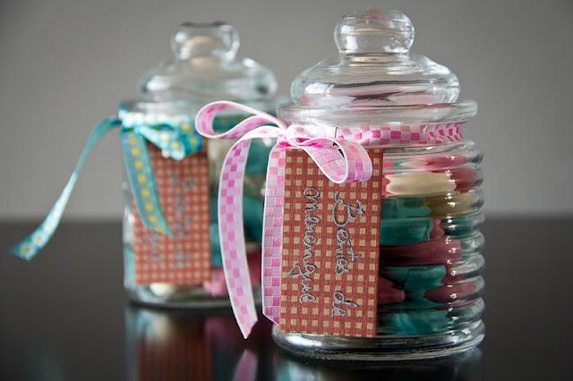Besitos o bocaditos de merengue de colores