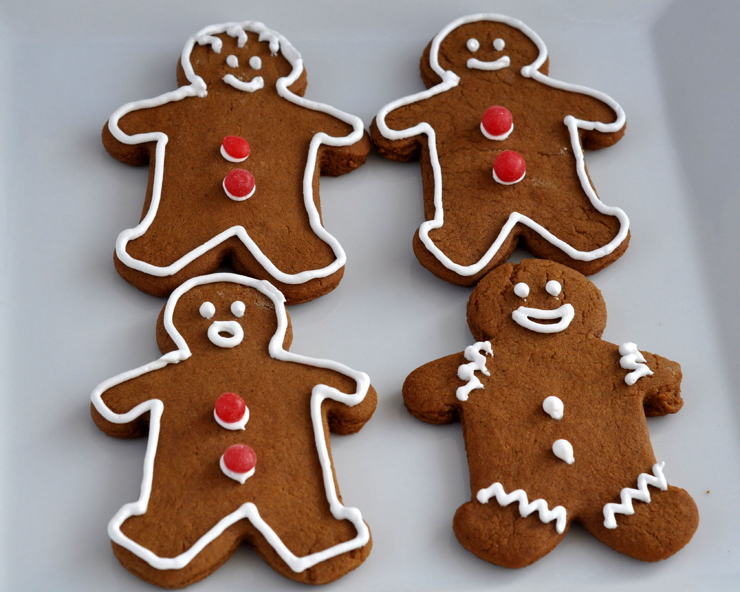 am a Gingerbread Man purest. I like only a little icing outline, and ...