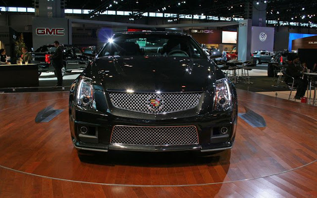 2011 cadillac CTS-V wagon black diamond edition front view