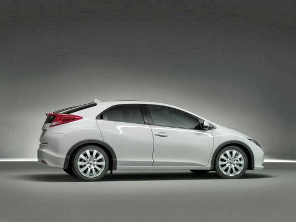Honda Civic 5D un hatchback in 5 usi