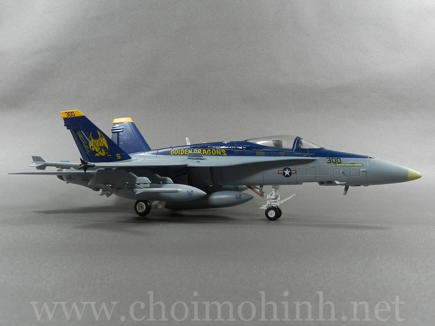F/A-18C Hornet VFA-192 Golden Dragons 1:72 Witty Wings