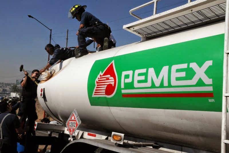 Image of Pemex truck