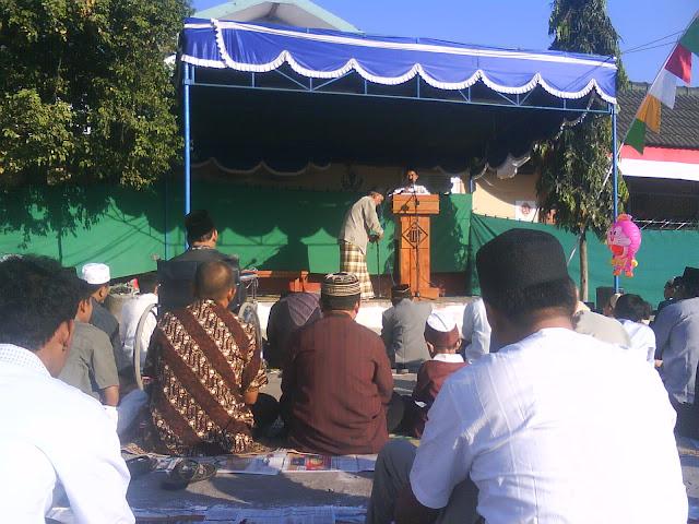 Shalat Idul Fitri di Lapangan SDN Perumnas Condong Catur Sleman Yogyakarta