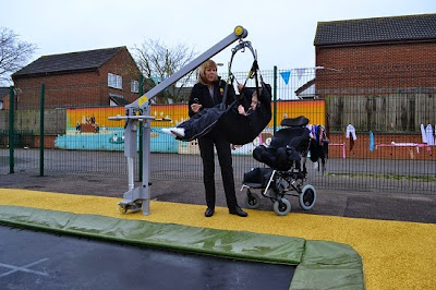 Mobility lift for sunken trampolines.