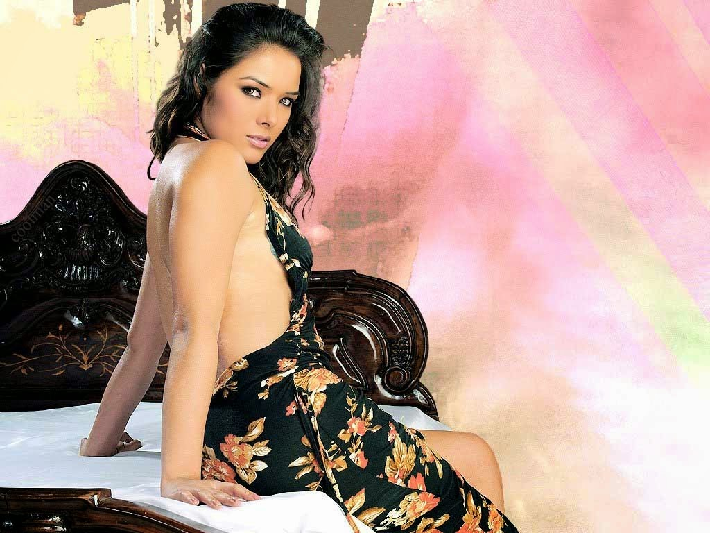 Udita Goswami hot sills from her last bollywood movie ... Udita Goswami Hot In Diary Of A Butterfly