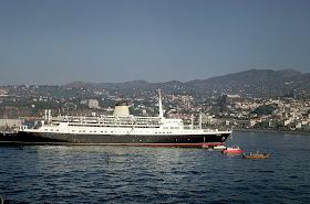 O navio Funchal e a Macaronésia