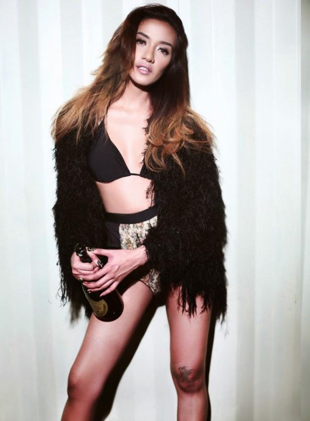 Koleksi Foto Model Seksi Wulan Dera