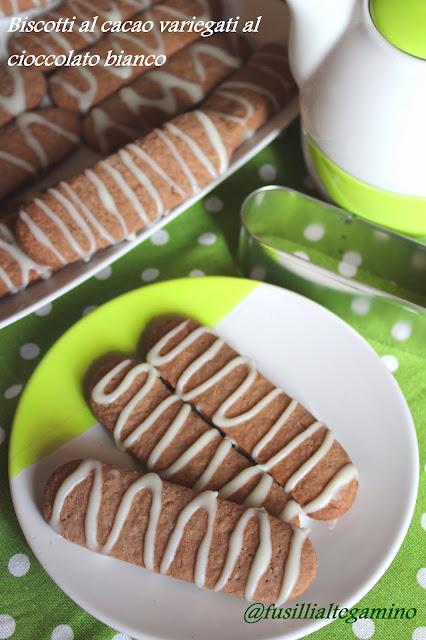 Biscotti al Cacao Variegati al Cioccolato Bianco