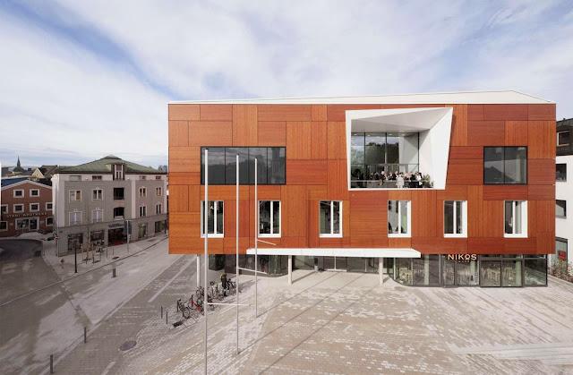 01-Bad-Aibling-City-Hall-by-Behnisch-Architekt