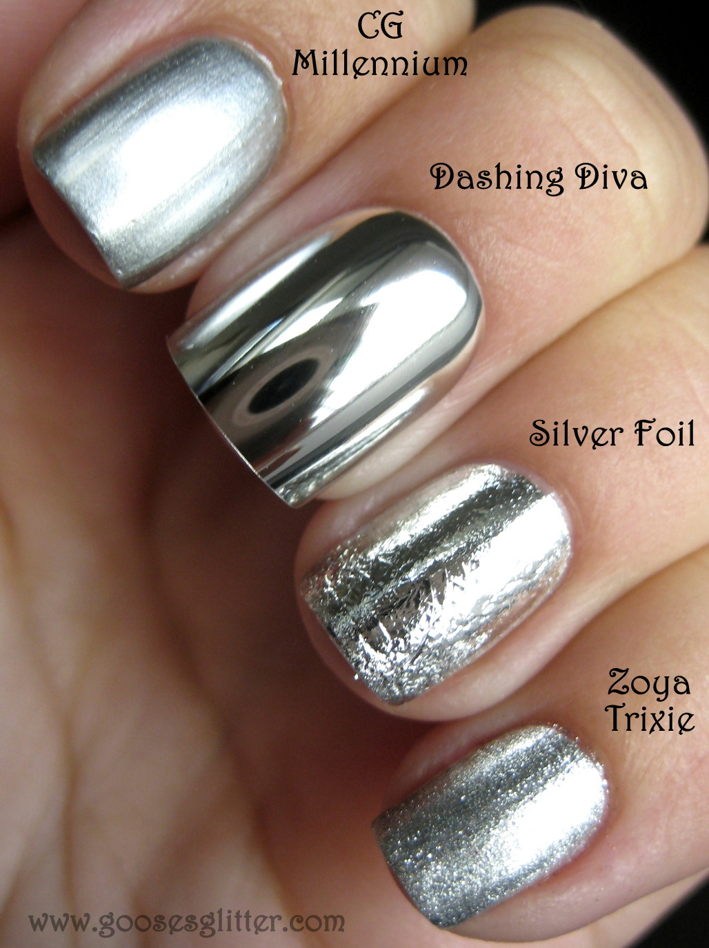 Goose\'s Glitter: Chrome Nail Comparison