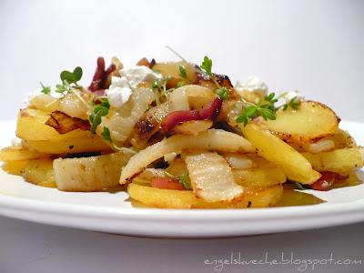 Kartoffel-Fenchel-Speck-Pfanne mit Ziegenfrischkäse und Kresse