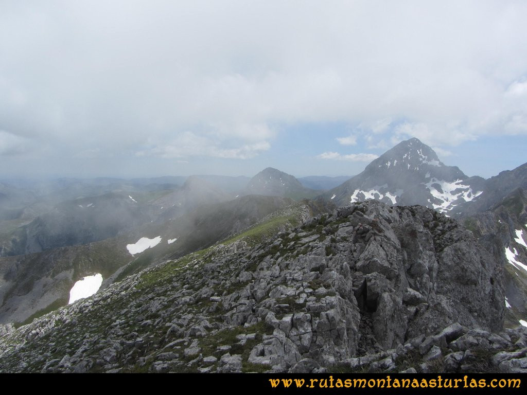 Ruta Tuiza Fariñentu Peña Chana: Del Fariñentu camino al Prau del Albo