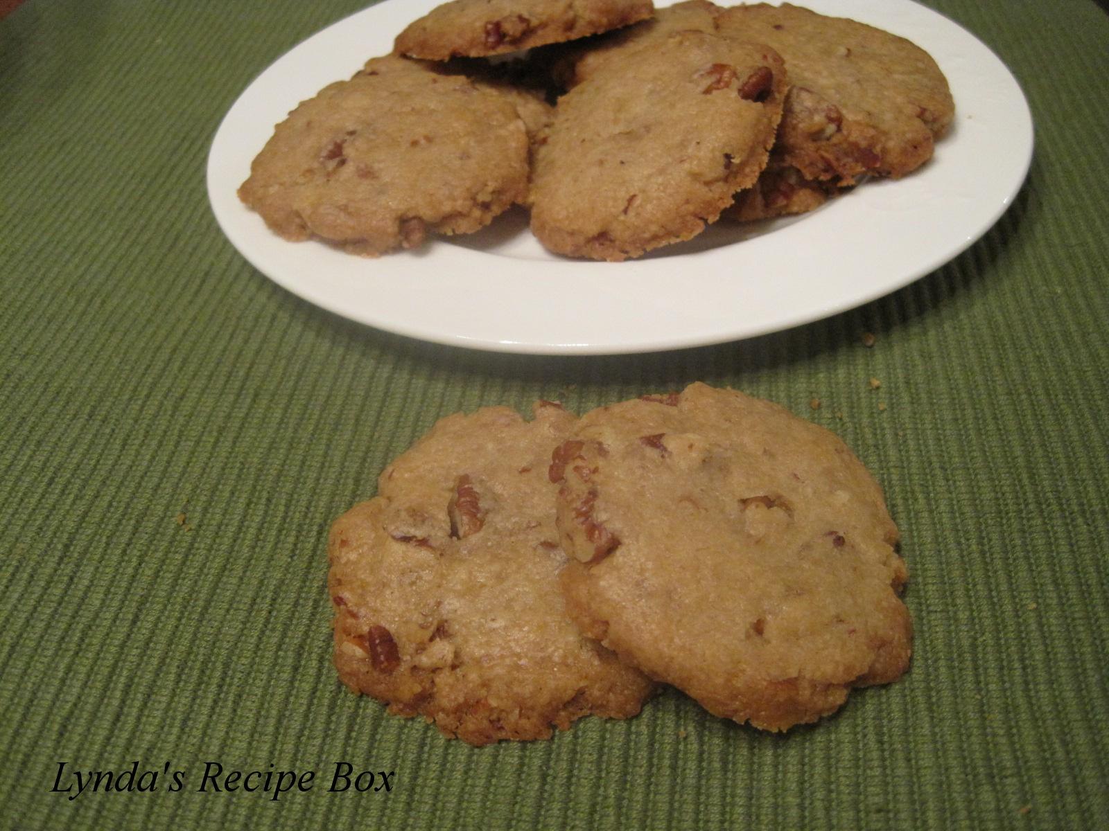 Lynda's Recipe Box: Pecan Sandies