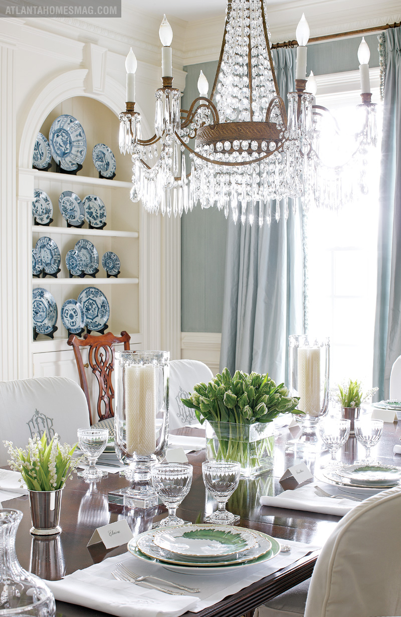 Mix and chic home tour an elegant georgian style home for Beautiful dining room photos