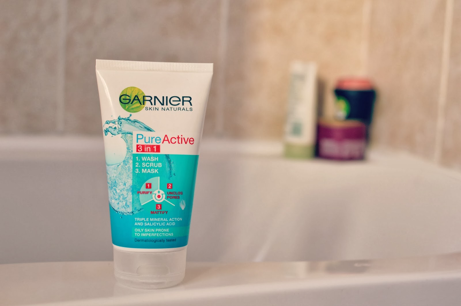 GARNIER PURE ACTIVE 3 IN 1 WASH/SCRUB/MASK #REVIEW #BEAUTY