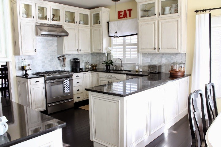 decorating ideas for kitchens with white cabinets