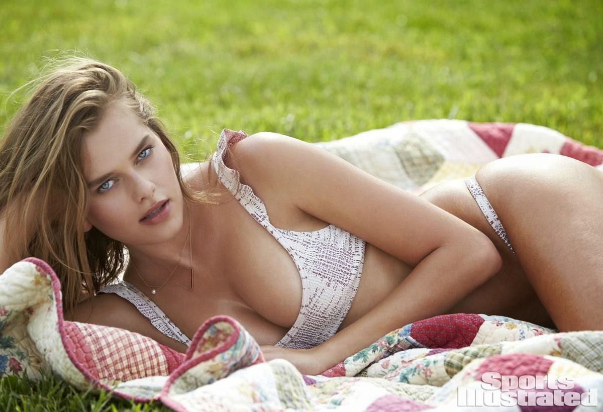 صور مثيرة لعارضة الأزياء سولفيج مورك هانسن في ملابس السباحة