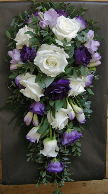 wedding flowers blog rachel 39 s purple and lilac wedding flowers the domus beaulieu. Black Bedroom Furniture Sets. Home Design Ideas